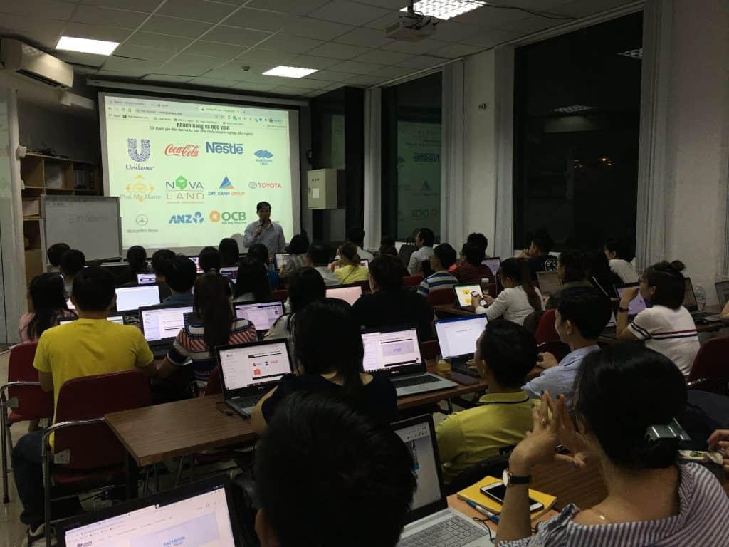 EQVN khai giảng khóa học Facebook Marketing 117