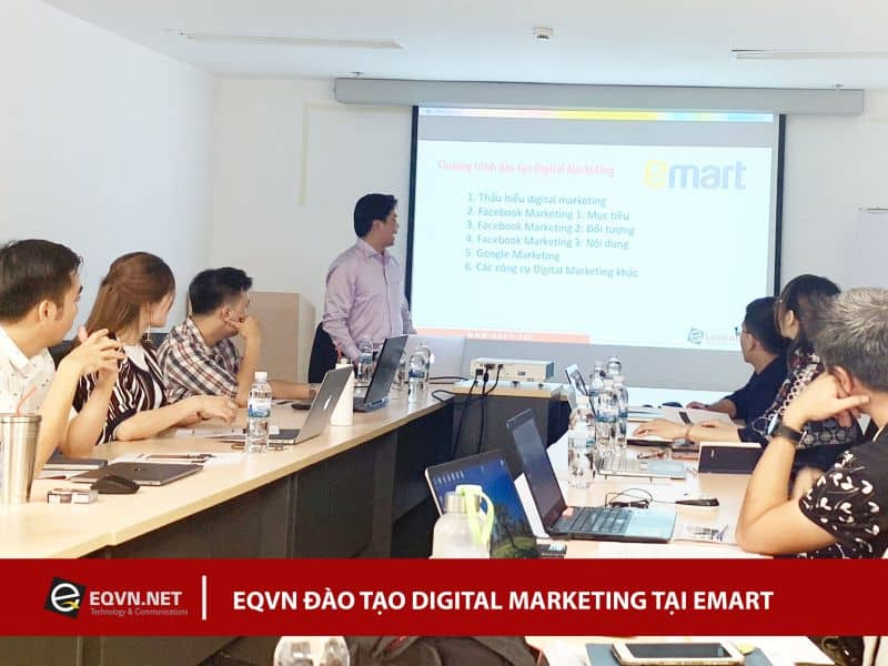 Đào tạo Inhouse Digital Marketing cho Emart